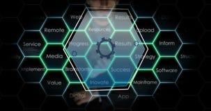 Zakenman wat betreft het digitale scherm stock video