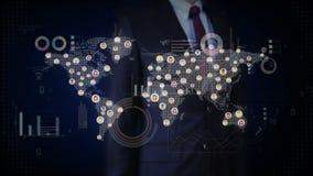 Zakenman wat betreft het scherm, verbonden wereldmensen, die communicatietechnologie gebruiken met economisch diagram, grafiek So