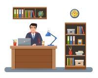 Zakenman in werkplaats in bureau Royalty-vrije Stock Foto