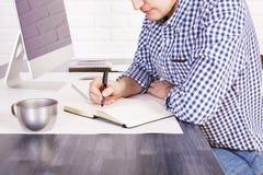 Zakenman Writing royalty-vrije stock fotografie