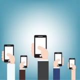 Zakenmanhand die mobiele telefoon, vectorillustratie in vlakke ontwerpstijl houden Royalty-vrije Stock Afbeelding