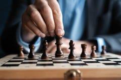 Zakenmanspel met schaakspel concept bedrijfsstrategie en tactiek royalty-vrije stock foto's