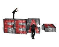 Zakenmanspreker die andere het duwen rode VREES van figuurzaagblokken schreeuwen Stock Afbeeldingen