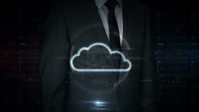 Zakenmantouch screen met wolkenhologram stock illustratie