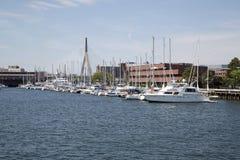 Zakim桥梁在城市波士顿 库存照片