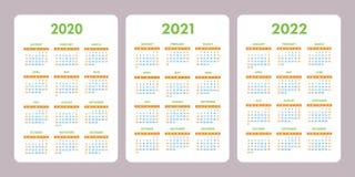 Zakkalender 2020, 2021, 2022 jaar Verticale vectorkalenderontwerpsjabloon reeks Het begin van de week op Zondag stock illustratie