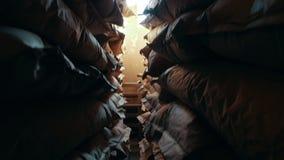 Zakken in een voorraad bij de fabriek van macaroni stock footage
