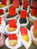 Zakken van Verschillende Bonen Stock Foto