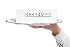 Zakończenia ogłoszenie na rezerwacja stole zdjęcia royalty free