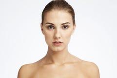 Zakończenia piękna portret młoda kobieta zdjęcie royalty free