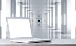 Zakończenie bielu otwarty laptop na nowożytnym tle Zdjęcie Royalty Free