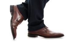 Zakończenie bocznego widoku biznesowego mężczyzna eleganccy buty fotografia royalty free