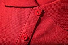 Zakończenie czerwona koszulka Zdjęcia Royalty Free