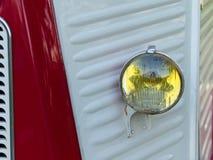 Zakończenie Czerwone i Białe Klasyczne Car's Frontowe części zdjęcia royalty free
