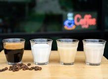Zakończenie dlaczego robić lodowej latte kawie składnik kawa espresso fotografia stock