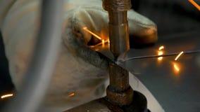 Zakończenie elektryczny spaw metal zbiory wideo