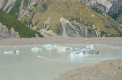 Zakończenie góra lodowa na Tasman Lodowiec Śmiertelnie jeziorze w Nowa Zelandia Fotografia Stock