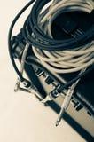 Zakończenie gitara amplifikator z dźwigarka kablem fotografia stock