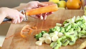Zakończenie obieranie marchewka zbiory