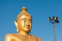 Zakończenie ogromny złoty Buddha przy khao kiaw świątynią w ratchabur Zdjęcia Stock