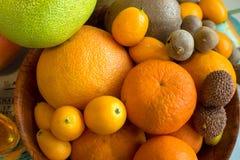 Zakończenie owoc różny rozmiar, smak i kolor, fotografia stock
