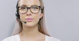 Zakończenie poparcie przedstawiciel z słuchawki lub obsługa klienta zbiory wideo