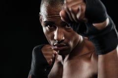 Zakończenie portret młody afroamerican bokser, pokazuje jego pięści Obraz Royalty Free