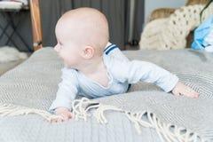 Zakończenie portreta słodki uroczy dziecko Indoors strzelał, pojęcie wizerunek Zdjęcia Stock