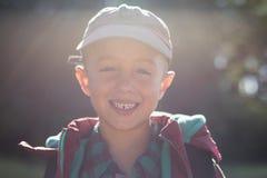Zakończenie portreta szczęśliwa chłopiec Zdjęcie Stock
