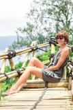 Zakończenie pozuje w tropikalnym lesie magiczna wyspa Bali piękna dziewczyna, Indonezja Obraz Royalty Free