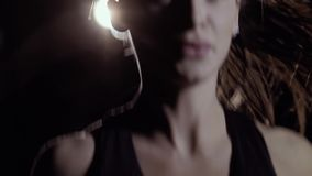 Zakończenie pracujący z skok arkaną sporty kobieta out zdjęcie wideo