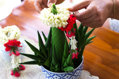 Zakończenie ręcznie robiony Ryżowa ofiara, bananowy liść, Tajlandia Zdjęcie Royalty Free
