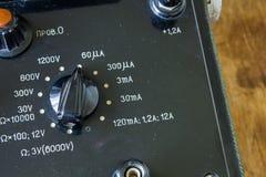 Zakończenie rocznika antyczny voltmeter zdjęcie stock