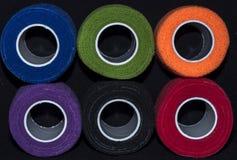 Zakończenie rolki barwiona tkanina zdjęcia royalty free