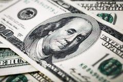 Zakończenie strzały w makro- obiektywie od sto dolarów banknotów Fotografia Royalty Free