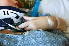 Zakończenie up cierpliwy ` s szyi i ręki bras w szpitalu Obrazy Royalty Free
