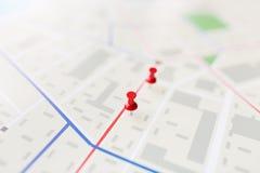 Zakończenie up mapy lub miasta plan z szpilką obrazy stock