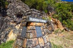 Zakończenie up markiera kamień przy Clarence przejażdżki R44 sceniczną trasą obrazy royalty free
