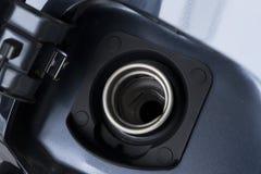 Zakończenie up Otwierałem ląg samochodowy benzynowy zbiornik obraz royalty free