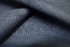 Zakończenie up paskował deseniowego tekstury srebra błękitną tkaninę kostium Obrazy Stock