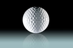 Zakończenie Up piłka golfowa na gradated lekkim tle fotografia royalty free