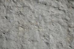 Zakończenie up strzelał grunge brązu gliny ściana na starym domu Mikstura niektóre inny przedmiot tak jak drewno i kamień zdjęcie royalty free