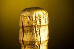 Zakończenie up szampański butelka korek zawijający w folii Zdjęcia Royalty Free