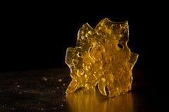 Zakończenie up szczegół marihuana oleju koncentrat aka rozbija obrazy stock