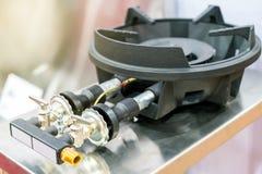 Zakończenie w górę benzynowej kuchenki robić od stali, obsada groszak lub żelazo lub zdjęcia royalty free
