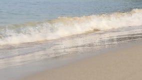 Zakończenie w górę powierzchni wodna morze fala na piasek plaży zbiory