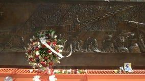 Zakończenie w górę wianku kwiaty dla pożarniczego wojownika zabijać na Sept 11 zdjęcie wideo