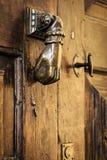 Drzwiowej rękojeści knocker zakończenie up Zdjęcia Stock