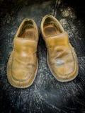 Zakończenie grungy rzemienni buty Zdjęcia Royalty Free