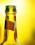 Zakończenie piwna butelka Obraz Royalty Free